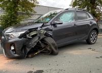 Am 5. Oktober ereignete sich ein Unfall im Begegnungsverkehr - zwei Fahrzeuge wurden erheblich beschädigt.