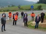 Vertreter des Landkreises, der Gemeinde Edertal, den Ortsteilen Buhlen und Affoldern, Hessen Mobil und der Firma Rohde haben die Kreisstraße 34 für den Verkehr freigegeben.