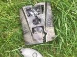 Diese Wildkamera wurde zerstört vom Jagdaufseher an einem Maisfeld bei Freienhagen gefunden.