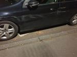 Ein Unbekannter beschädigte am 31. Oktober einen VW Golf.