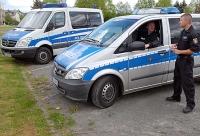 Die Polizei ist auf der Suche nach Reifendieben, die in der Nacht vom 15. auf den 16. Februar bei einem Mercedes-Händler eingebrochen sind.