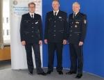Auf dem Titelbild sind von links zu sehen: Erster Polizeihauptkommissar Manfred Bergener, Leiter Polizeistation Korbach, Polizeihauptkommissar Manfred Lang und Kriminaldirektor Achim Kaiser, Leiter der Polizeidirektion Waldeck-Frankenberg.