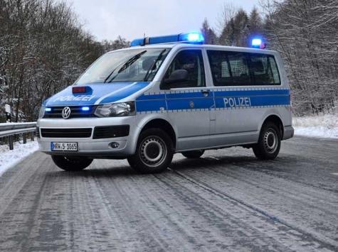 Glatte Straßen führten am 26. Januar zu einem Alleinunfall auf der Bundesstraße 252 zwischen Bad Arolsen und Twistetal