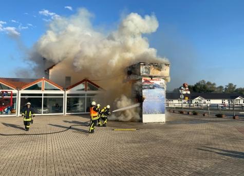 In Lieschensruh brannte am 12. September ein Werbeturm.