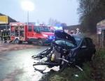 Ein schwerer Verkehrsunfall hat sich am 28. Januar auf der Bundesstraße 252 bei Ederbringhausen ereignet - die Straße ist gesperrt.