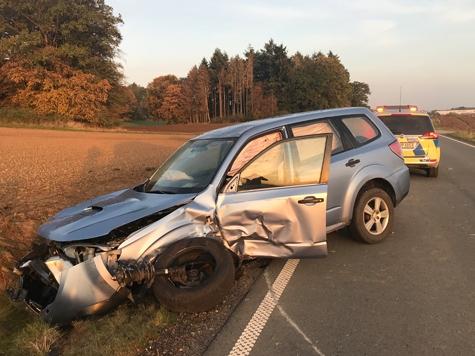 Ein Subaru und ein Mercdes Benz kollidierten am 15. Oktober auf der Landesstraße zwischen Dehausen und Rhoden.