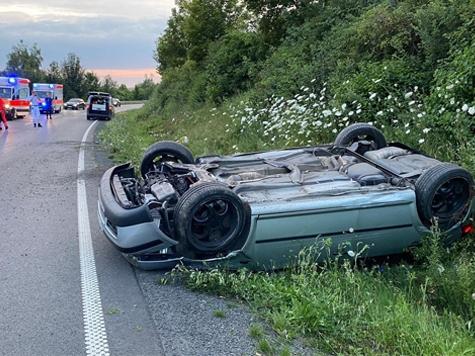 Auf der Bundesstraße 253 ereignete sich am Samstag ein schwerer Unfall.