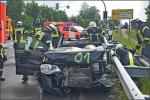 Die Fahrerin des Polos wurde von der Feuerwehr befreit.