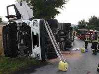 Bei Höxter verunfallte am 22. Juli ein Lkw.
